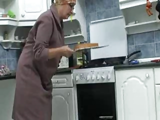 Free HD Granny Tube Kitchen