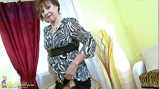 OldNannY Hot Mature Lady..