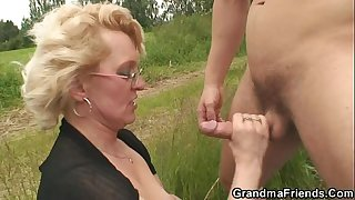 Old whore takes two dicks..