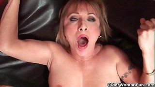 Hot grandma Luna Azul loves..