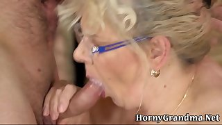 Fat grandma takes cumshot