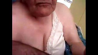 Amateur grandma sucking my..