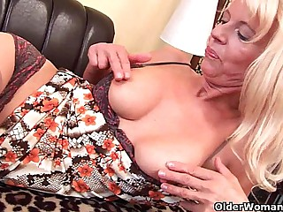 Granny in stockings fucks..