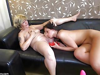 Oldnanny lesbian- Lesbian..