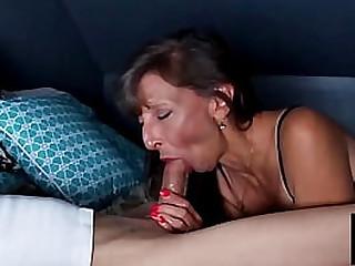 Sexy Granny Get A Mutiple..