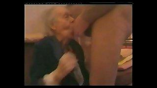 VERY OLD GRANNY SUCK DICK..